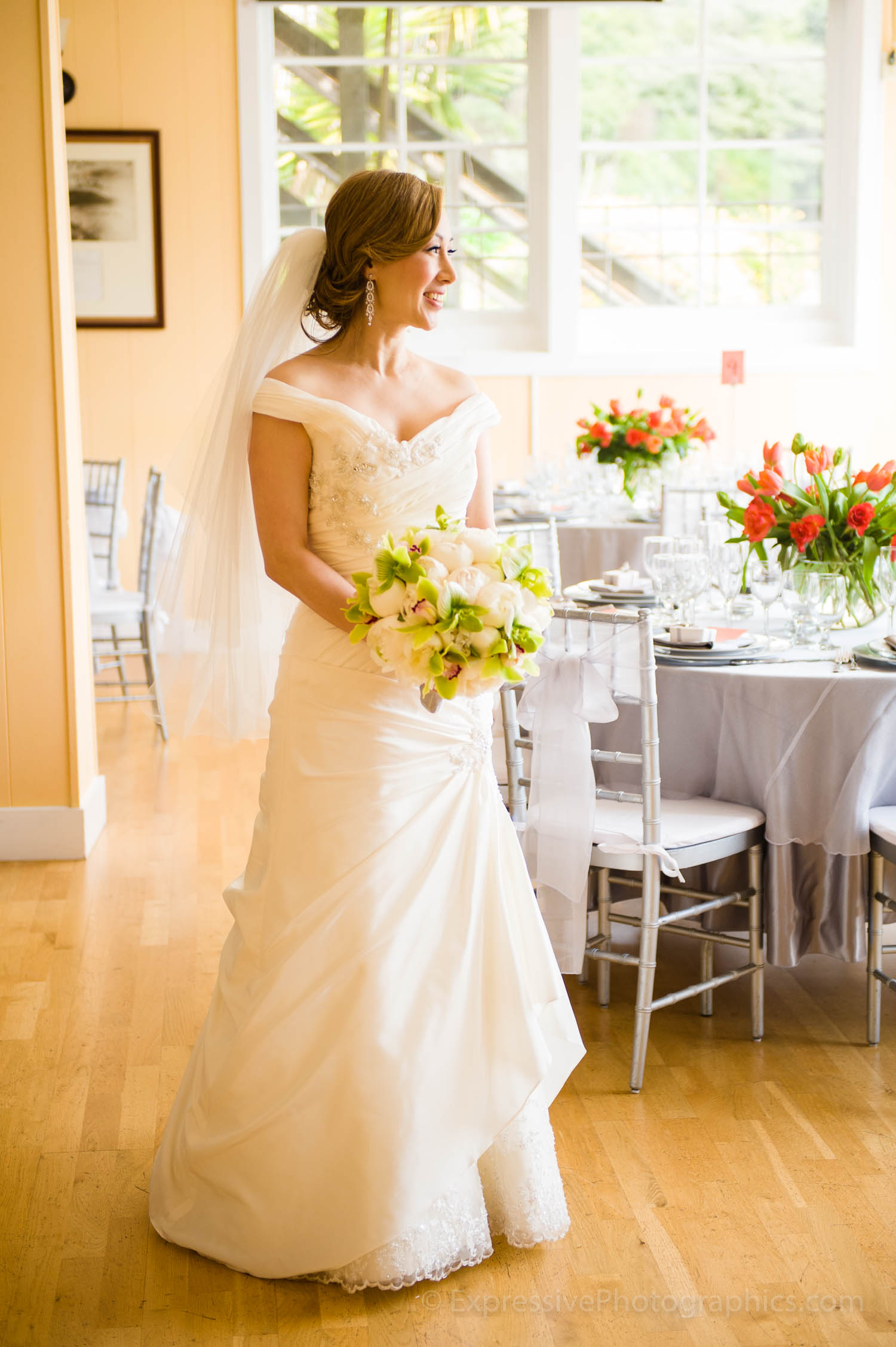 bride-presidio-yacht-club-wedding