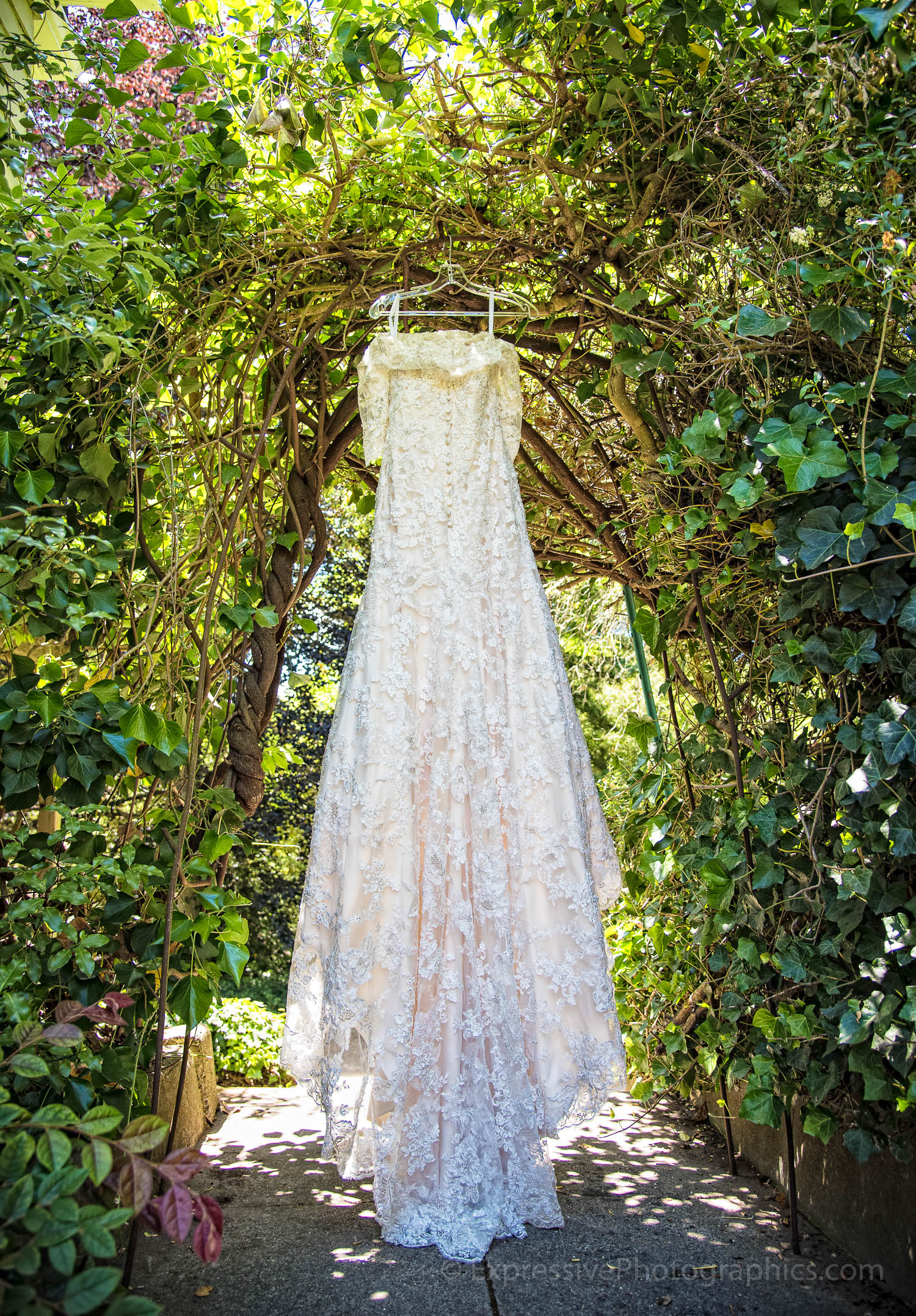 002-sand-rock-farm-wedding-dress